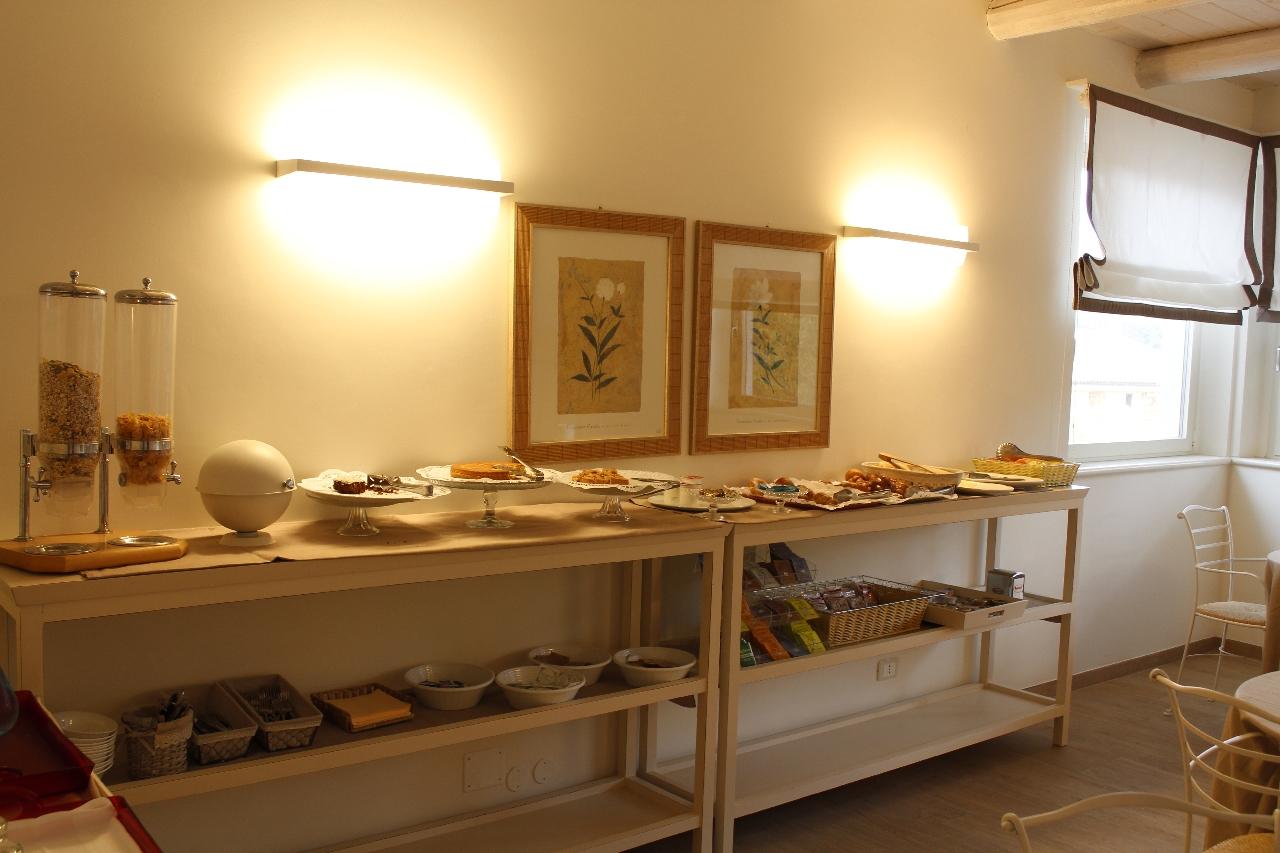 La sala delle colazioni dell'hotel
